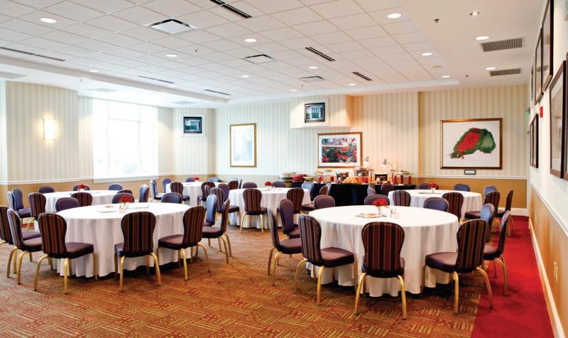 Oaks_Dining_Room